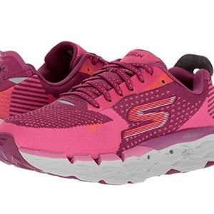 Skechers GOrun Ultra Road 2 Running Shoe